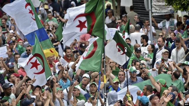 بقرار رسمي.. هذه الرايات محظورة في مظاهرات الجزائر