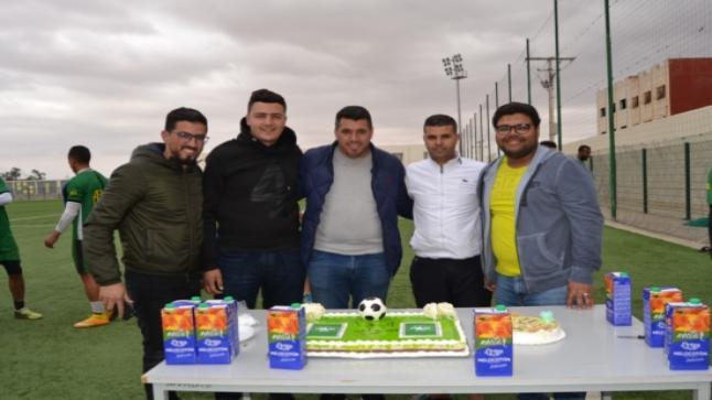 رئيس وفاء الدريوش يقوم بحفلة على شرف الاعب حمزة رقيق بمناسبة عيد ميلاده