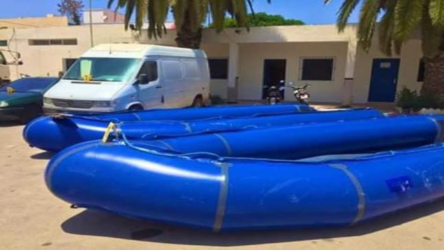 الأمن يضبط قوارب للهجرة السرية في شاحنة للأعلاف نواحي الناظور -صور